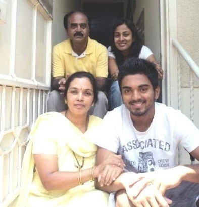 KL rahul with his family