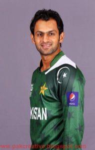 Shoaib Malik Physical Appearance