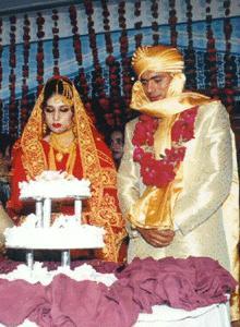 Saqlain Mushtaq with his wife