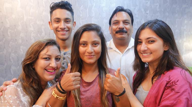 taniya bhatia family pic