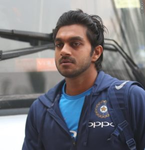 Vijay Shankar Full Biography, Records, Height, Weight, Age, Wife, Family, & More