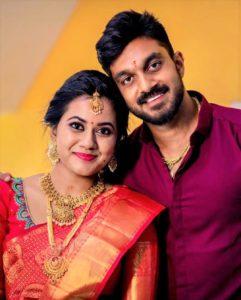 Vijay-Shankar-with-his-Wife