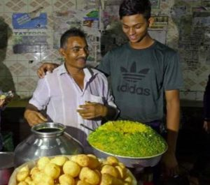 Yashasvi-Jaiswal-with-his-Father